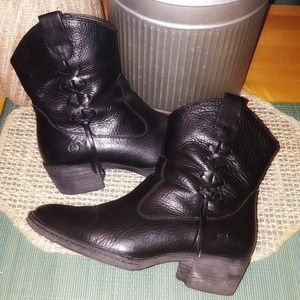 BORN Leather Black Ankle Heel Boots Booties EUC